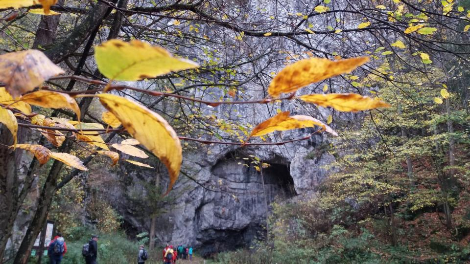 Okolí Býčí skály láká turisty i mimo hlavní návštěvnickou sezónu
