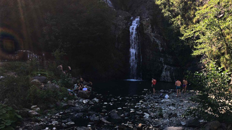 Změjkovské kaskádovité vodopády lákají do těchto končin i turisty
