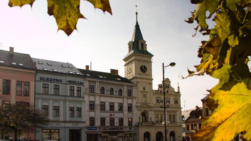 Turnovská radnice v dolní jižní části náměstí