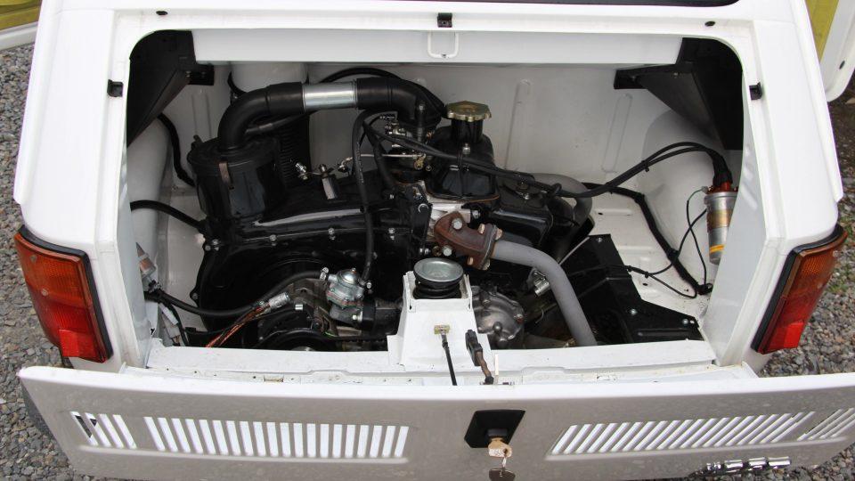Motor opravili ve specializované firmě