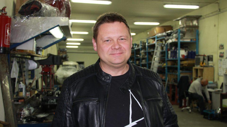 Krzystof Hankus malucha opravil bez nároku na odměnu