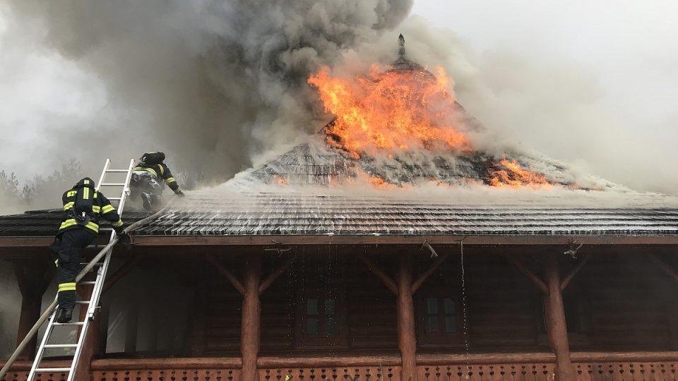Požár motorestu Čtyři kameny u Hlavence