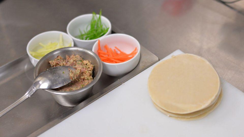Ingredience na knedlíčky gyoza