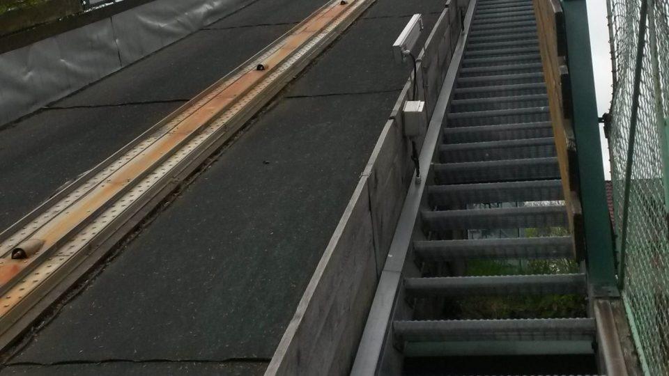 Výtah na K95 nevede. Skokani musí vystoupat po svých