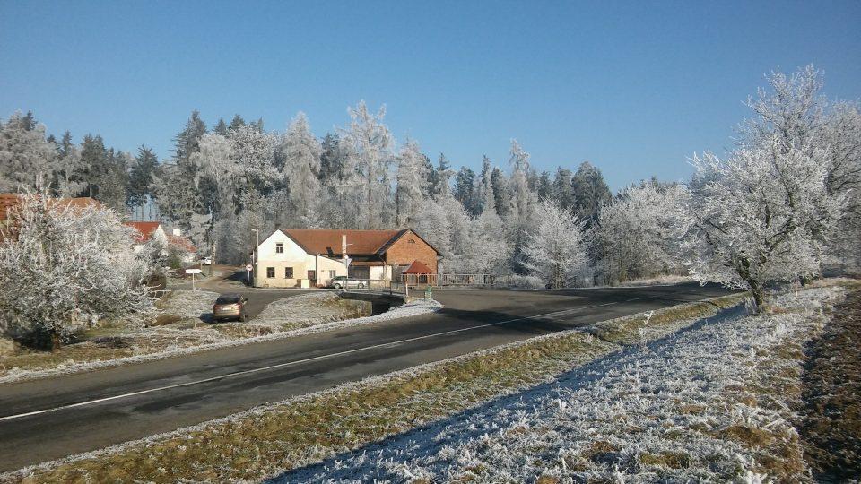 Osada U Tří Kocourů na počátku zimy