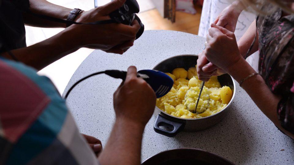 Zátiší techniky s bramborem