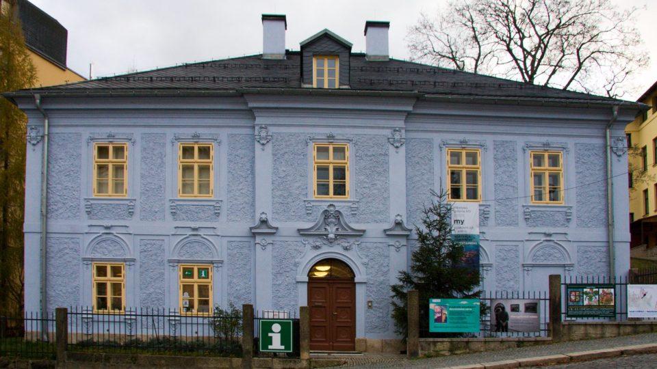 Památník Jany a Josefa Václava Scheybalových - bývalá fara č. p. 1