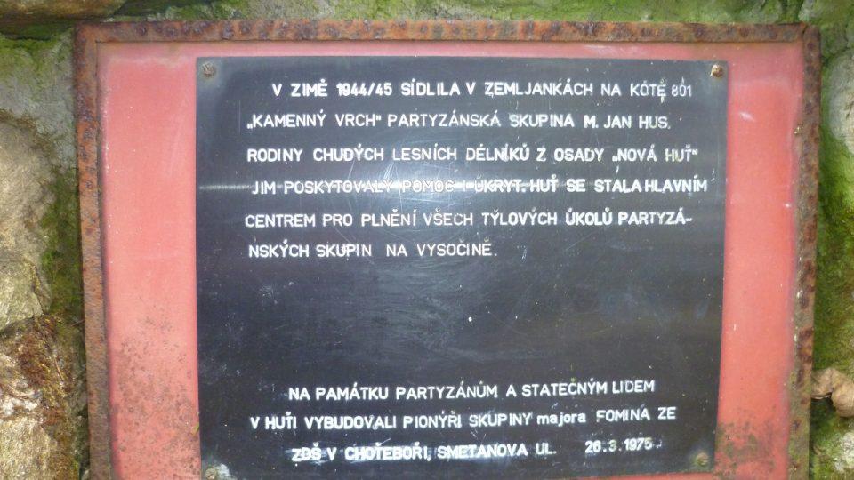 Text na památníku