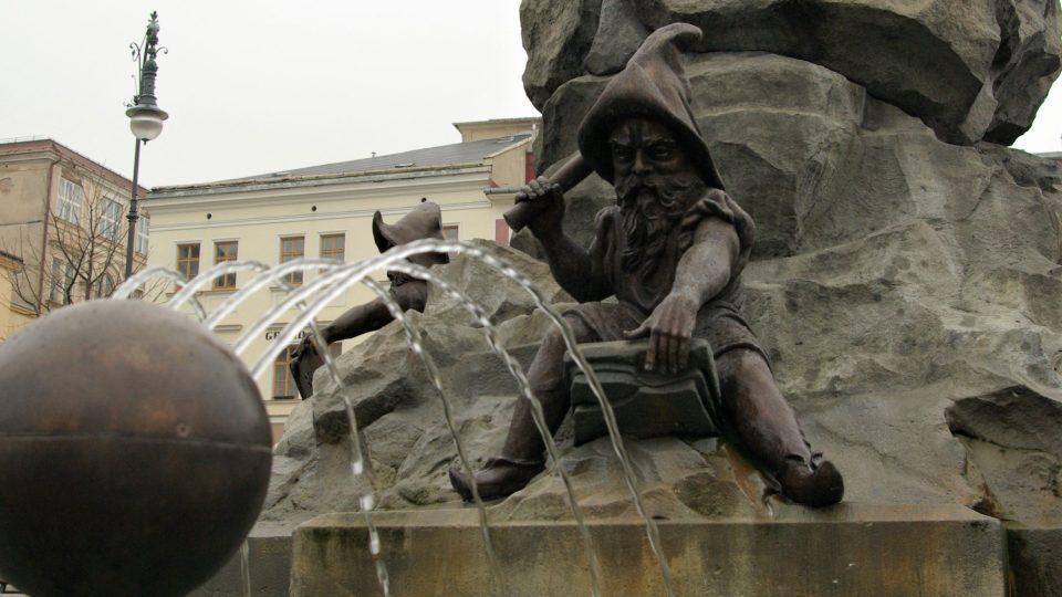 Krakonošova kašna je i osvěžující oázou města v horkém létě