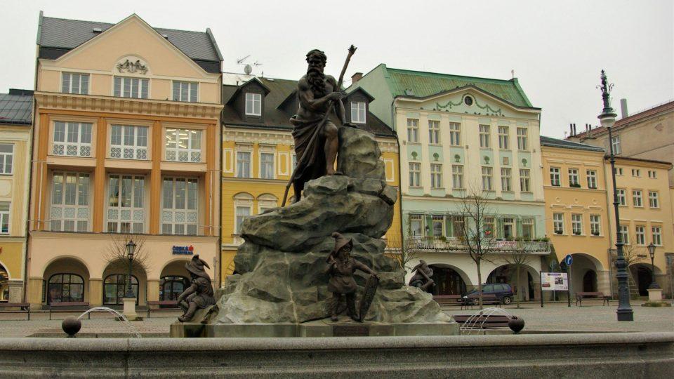 Krakonošova kašna v historickém centru Trutnova