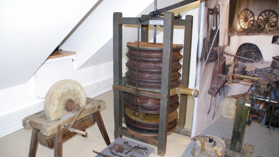Unikátní kovářský měch pochází z místních sbírek