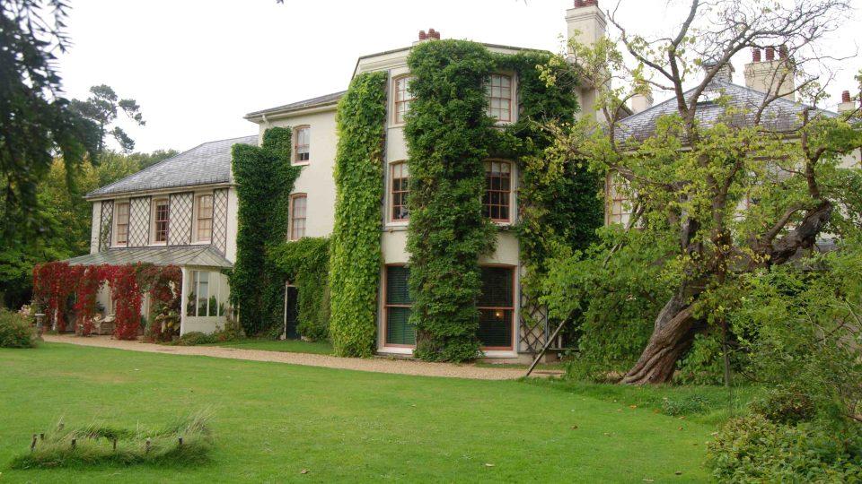 Dům Charlese Darwina je dnes cílem turistů i školních výprav