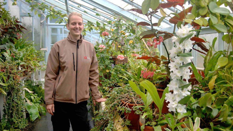 Kristýna Slivová ve skleníku Charlese Darwina