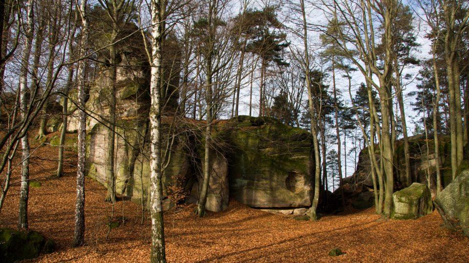 Hrad Zbiroh - Kazatelnice a hradní příkop