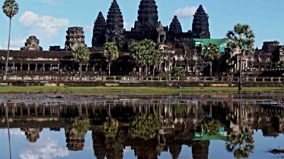 Monumentalita chrámů starobylého Angkorského království uchvacuje i po osmi stoletích