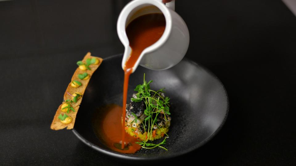 Bujabéza s rybím tartarem od Thomase Venela