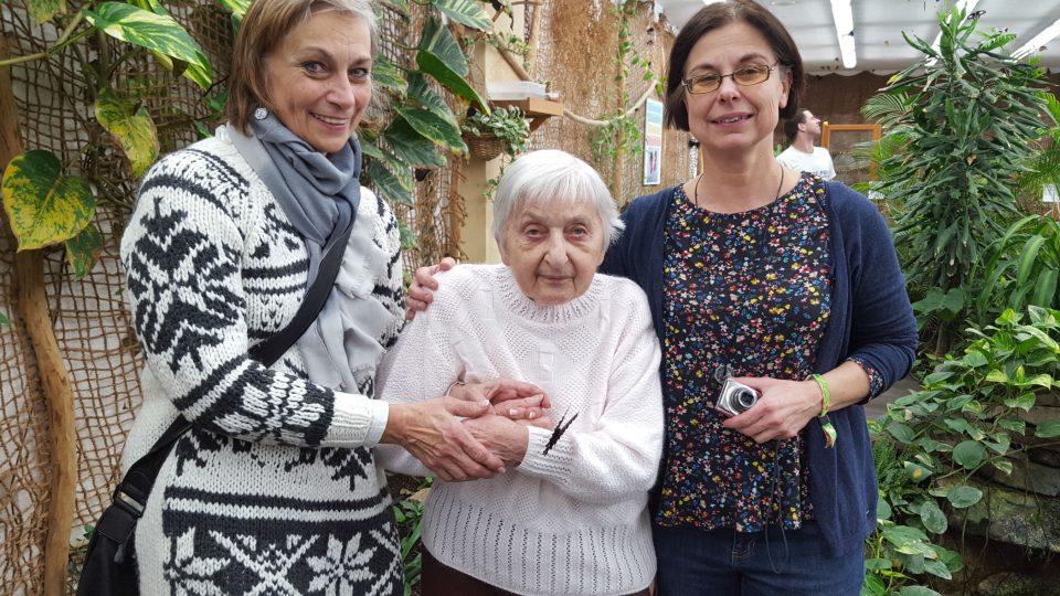 Ježíškova vnoučata zavedla paní Olinku do Motýlího domu v Karlových Varech