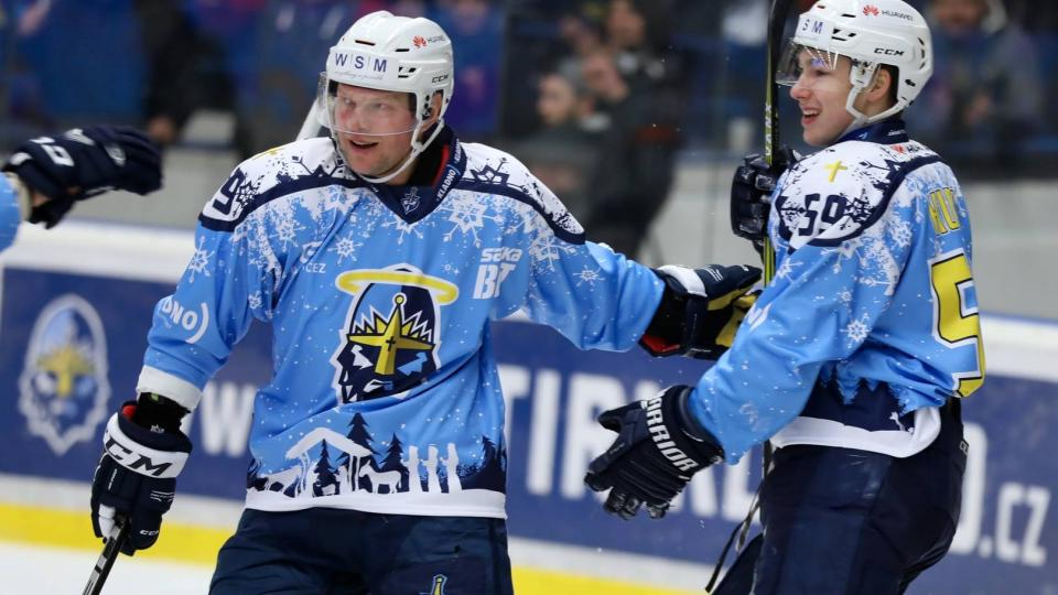 Hokejisté Kladna ve speciálních svátečních dresech