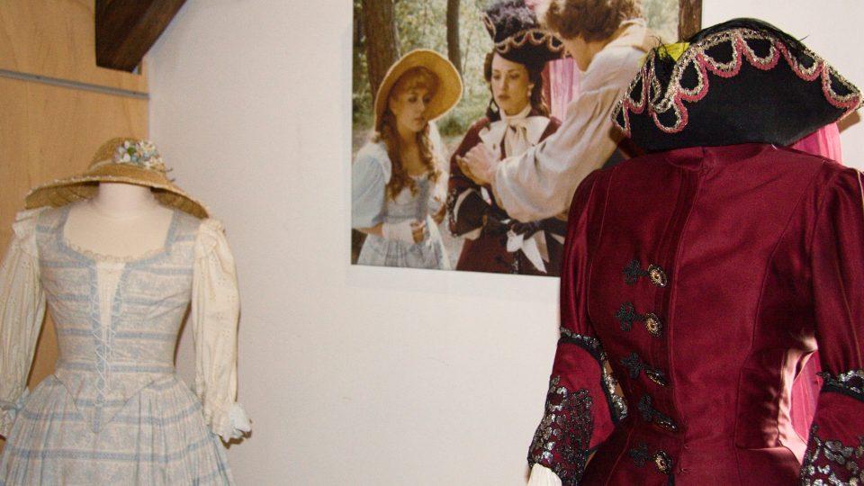 Kostýmy princezen Adélky a Angelíny