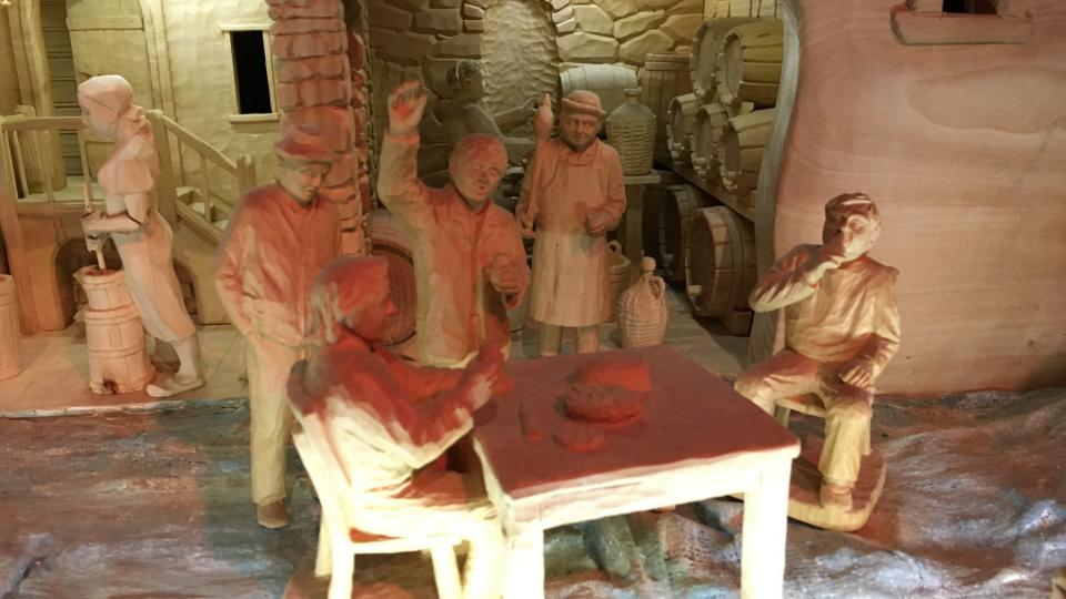 Velké lákadlo představují pohyblivé figurky, jejichž prostřednictvím v betlému ožívají stará řemesla a zvyky