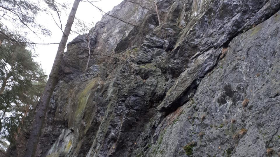 Místo, kde začínají horolezeské trasy