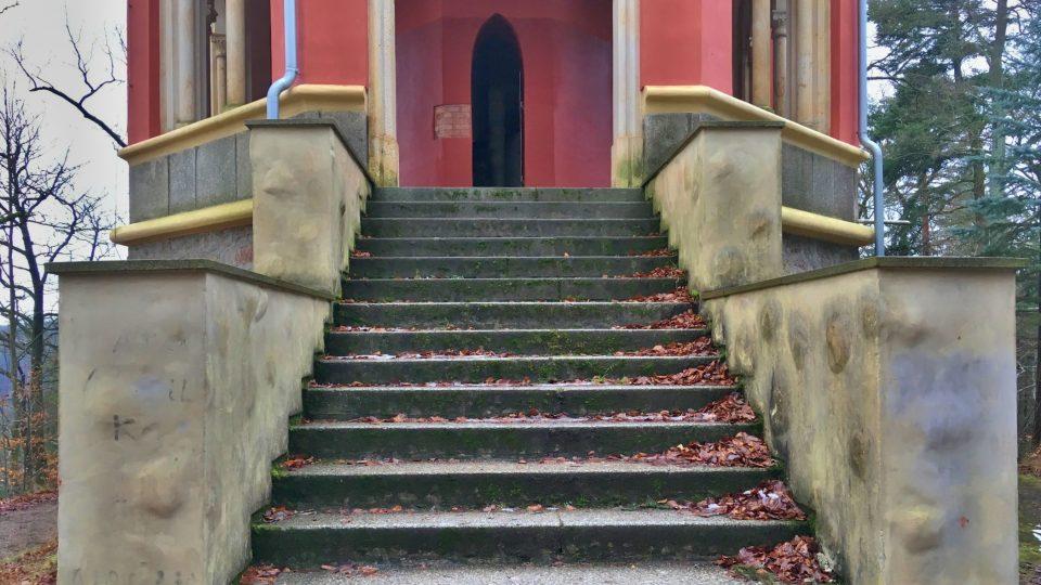 Nejdřív rovné schody, pak točité