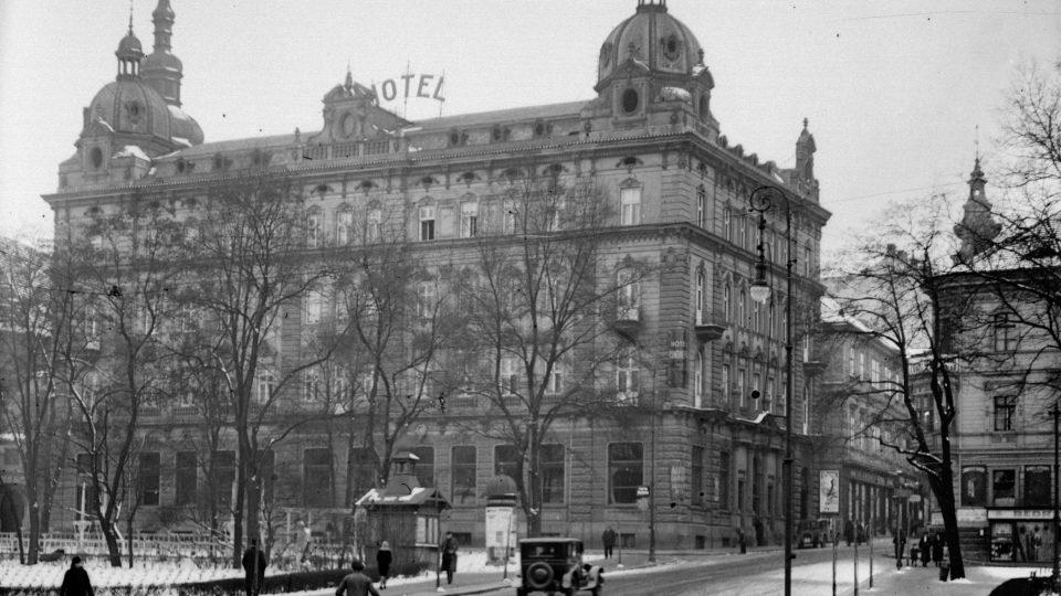 Hotel Pilsner Hof v Šafaříkových sadech