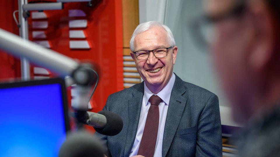 Jiří Drahoš ve Dvaceti minutách Radiožurnálu