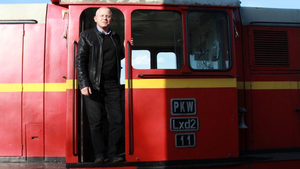 Jarosław Łuszcz, přednosta stanice Rudy, v jedné ze svých lokomotiv