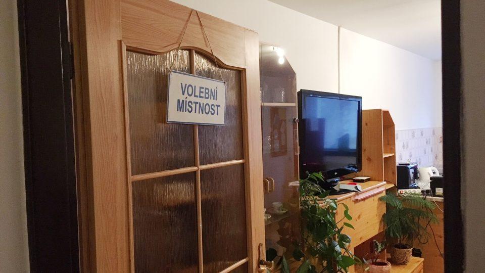 Volební místnost v domku v Nové Olešce na Děčínsku