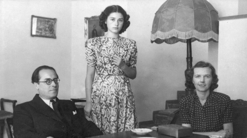 Adolf Procházka, manželka a neteř bratří Čapků Helena a dcera Marta (fotku poskytla Marta Kastner)
