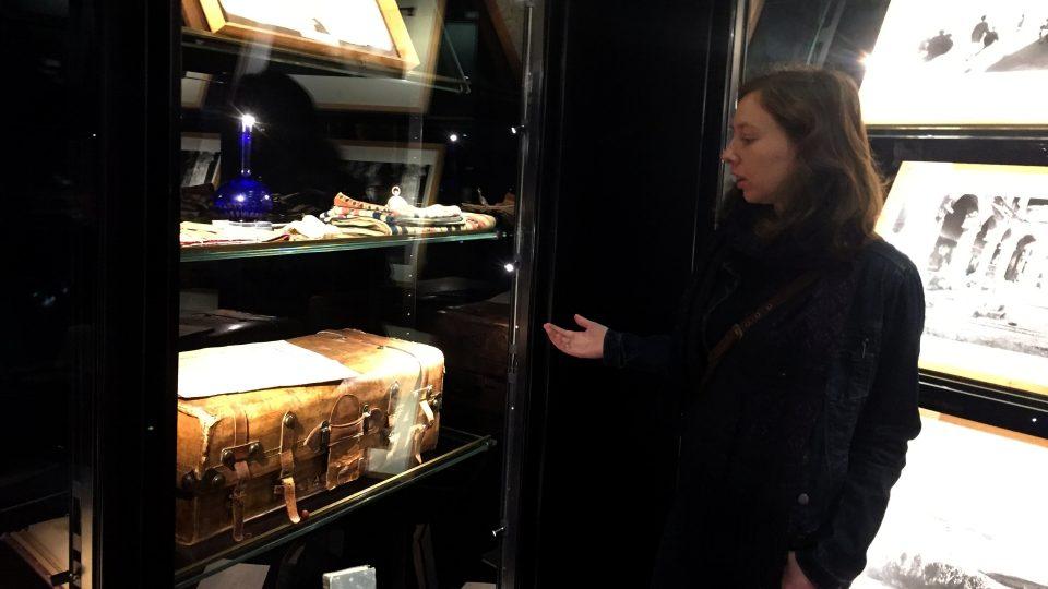 Lucille Pennelová v expozici muzea Arthura Rimbauda