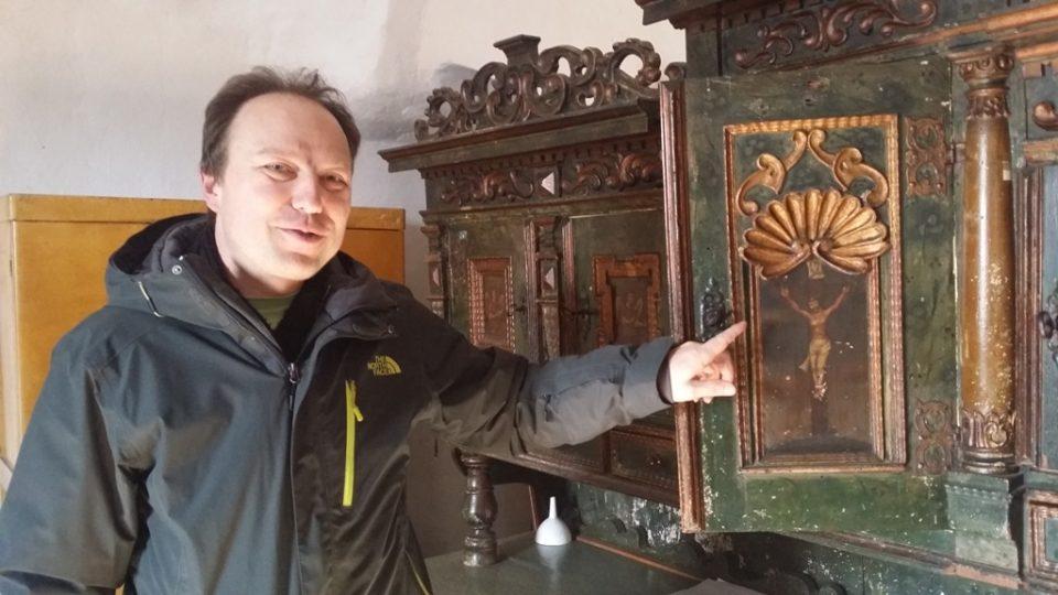 Kostel sv. Prokopa ve Strakonicích čeká revitalizace, na snímku farář Roman Dvořák