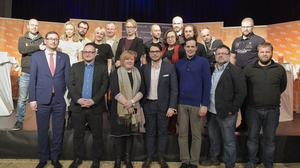 Společná fotografie realizačního týmu s hosty