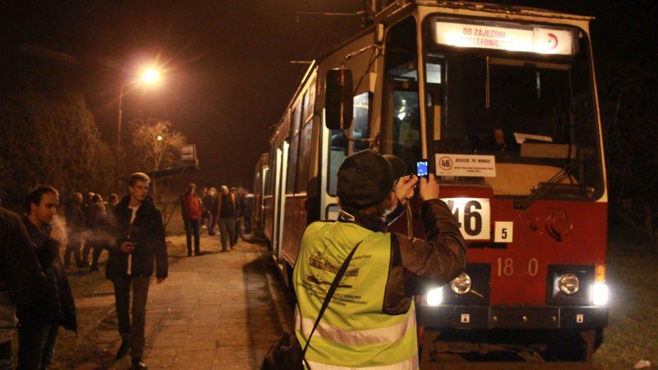 Blesky fotografů si tramvaj č. 46 užívala naposledy