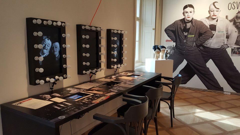 Expozice ve Werichově vile je interaktivní, doplněná virtuální realitou