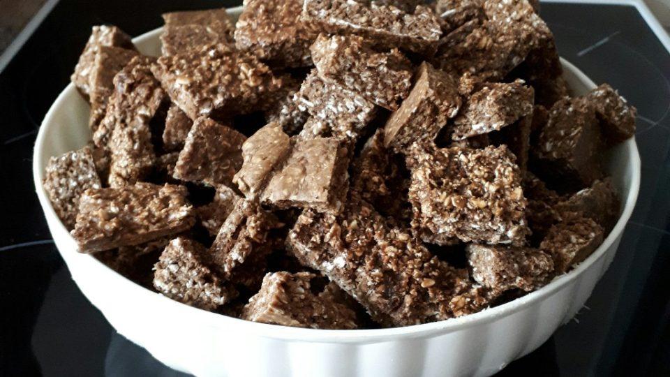 Sušenky pro psa vyrobíte z pouhých tří ingrediencí – jater, vloček a vajec