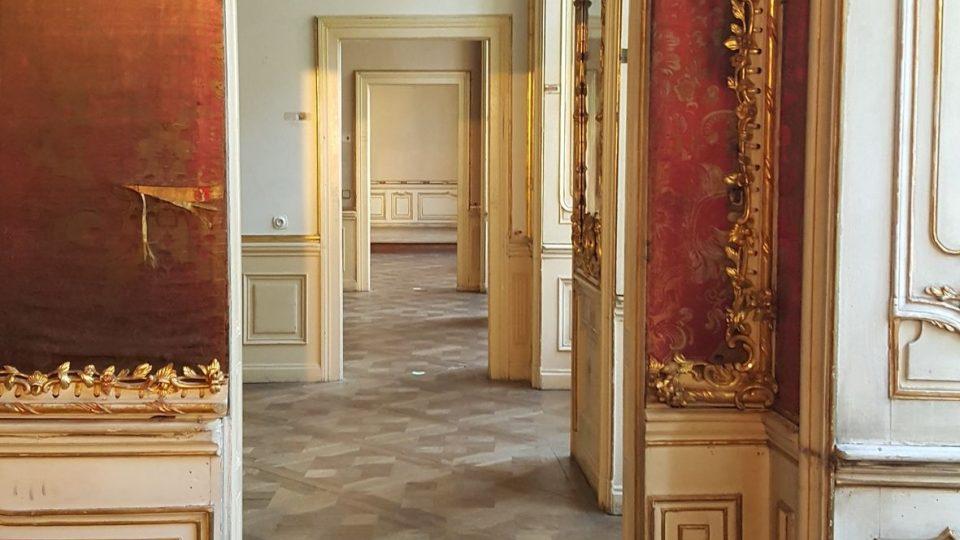 Prohlídková trasa zpřístupňuje reprezentační prostory piana nobile