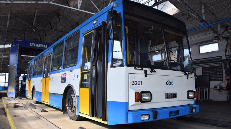 Vysokopodlažní trolejbus typu 14 Tr