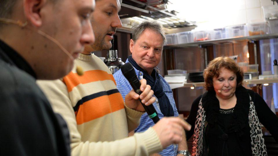 Petr Jančařík nahlédnul i do kuchyně