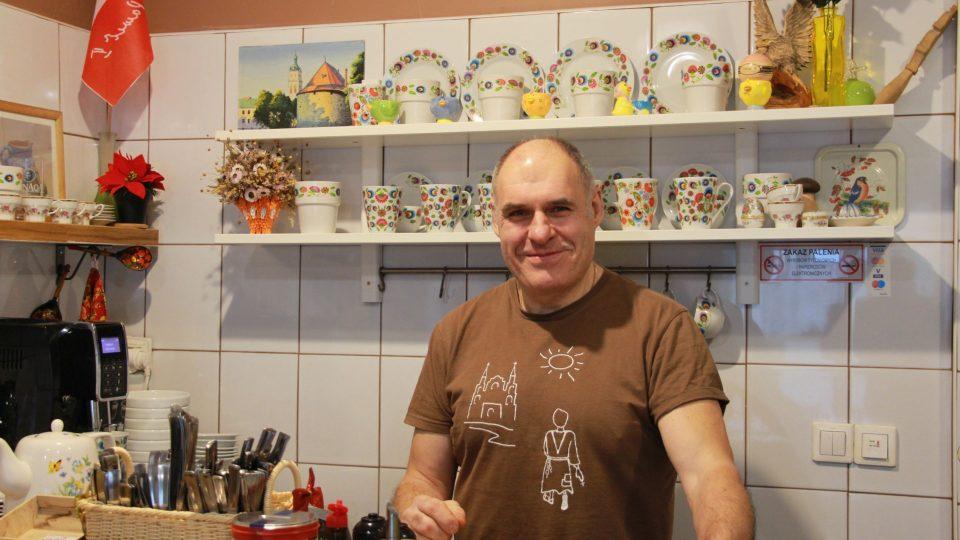 Vladimir Kurbatov, majitel, vedoucí a příležitostná obsluha v pirohárně U Kresowiaka