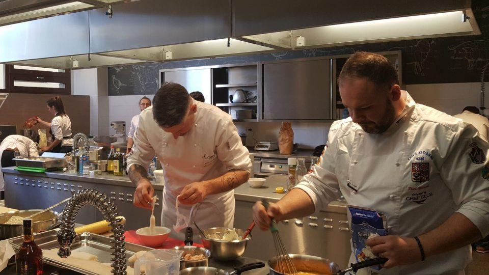 V kuchyňském studiu trénuje Národní tým kuchařů a cukrářů a konají se tu kurzy vaření pro veřejnost