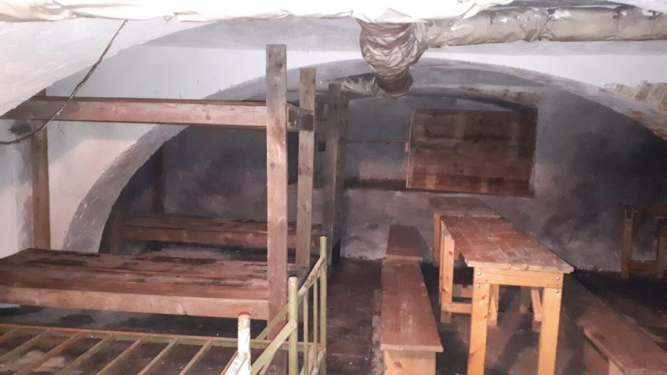 Zde se připravuje expozice podzemního krytu. Odvážní návštěvníci zde budou moci zažít simulaci náletu
