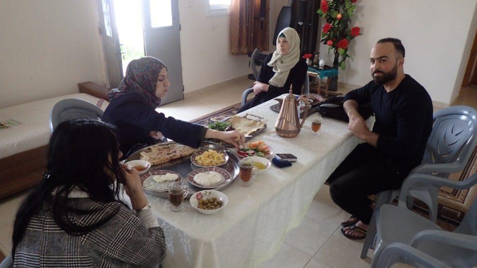 Poutníci na Abrahámově stezce jsou ubytováni v domácnostech místních obyvatel