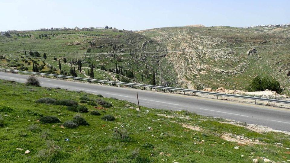 V okolí Betléma a Hebronu vede Abrahámova stezka na jaře krásně zelenou krajinou