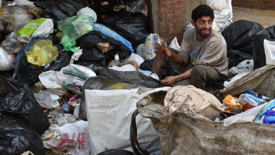 Třídiči, jako je Usáma, jsou jen prvním článkem celého recyklačního řetězce v Káhiře