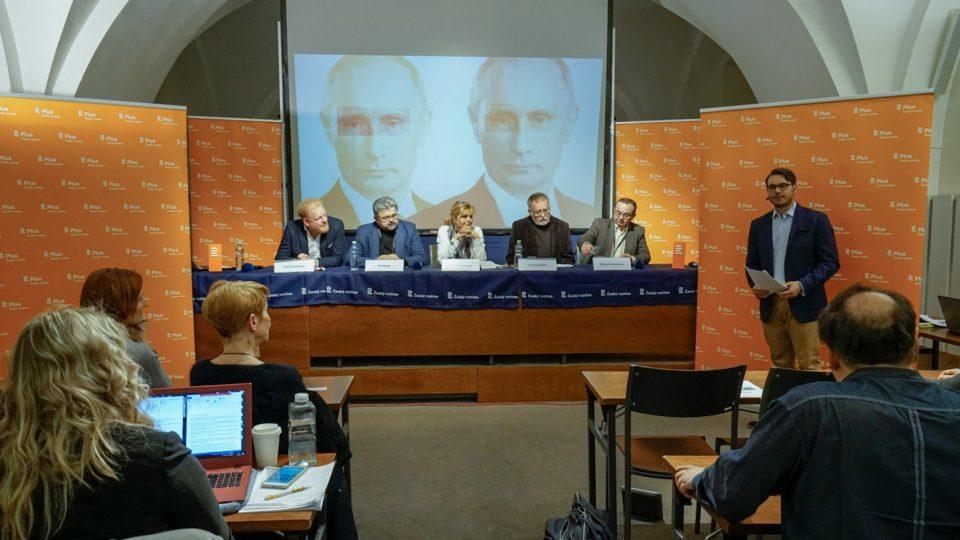 Veřejná debata Plusu v Olomouci