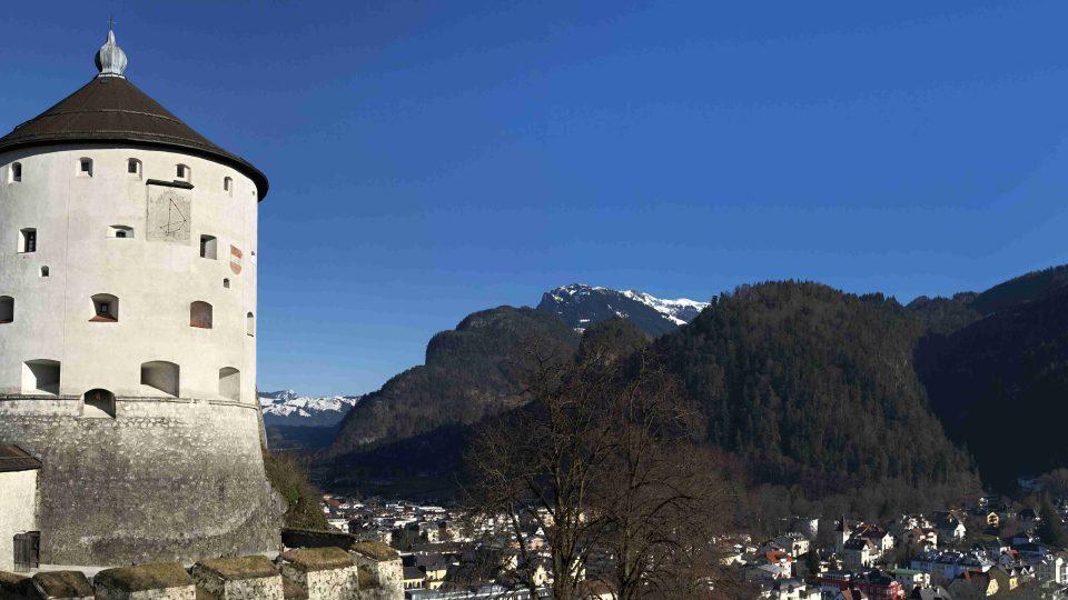 Kufsteinská pevnost dříve sloužila jako vězení pro prominentní a politické vězně