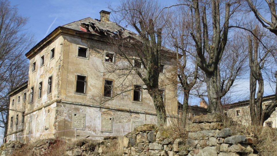 Zámek Lipová patří mezi naše nejohroženější památky