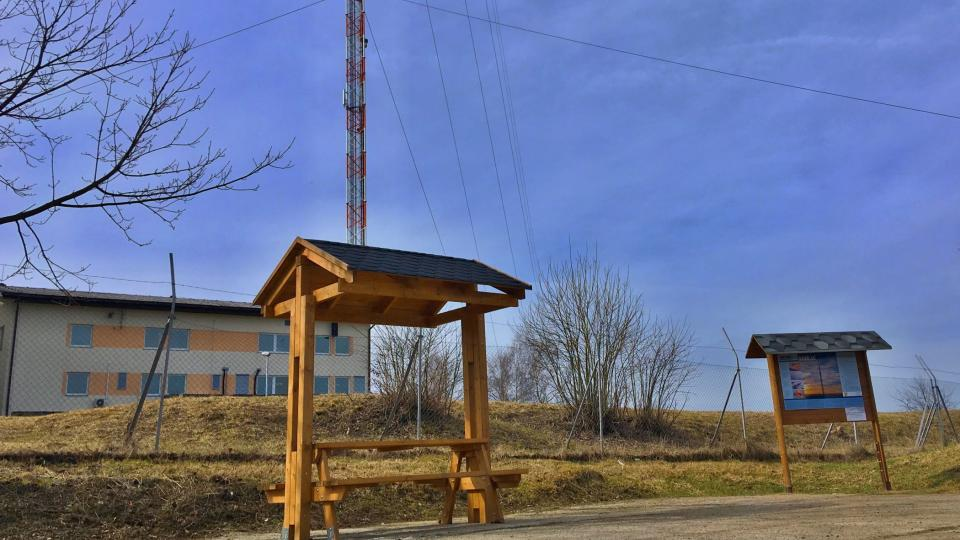 U telekomunikační věže Krašov